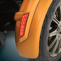 FRONT FENDER LED REFLECTOR (R)